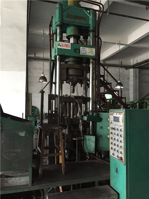 <strong>广州油压机回收,压铸机回收</strong>